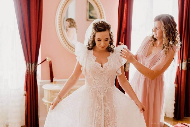 Suknia ślubna w stylu boho połączenie dwóch sukni - porto 52 (góra) oraz dół z Porto 48 oraz dodatkowe sterczące rękawki