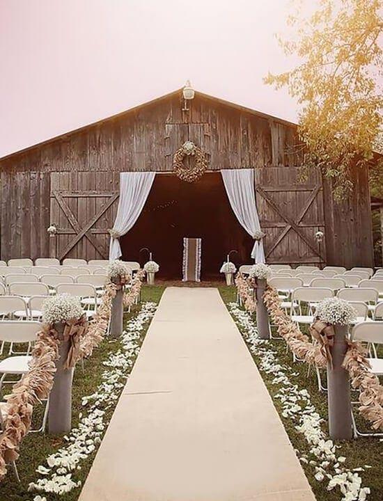 ślub w stodole - dekoracje