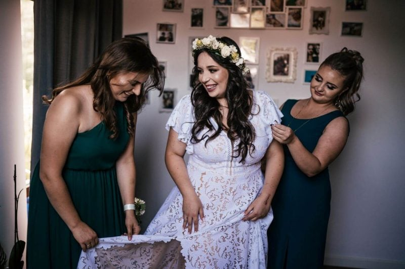 Suknia ślubna w stylu boho Santorini 1 Plus Size z dodatkowym rękawem z koła.
