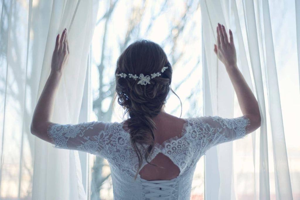 Ślub i wesele zimą, panna młoda
