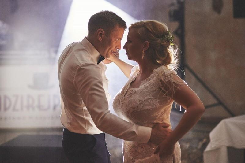 Suknia ślubna w stylu boho Porto 31.