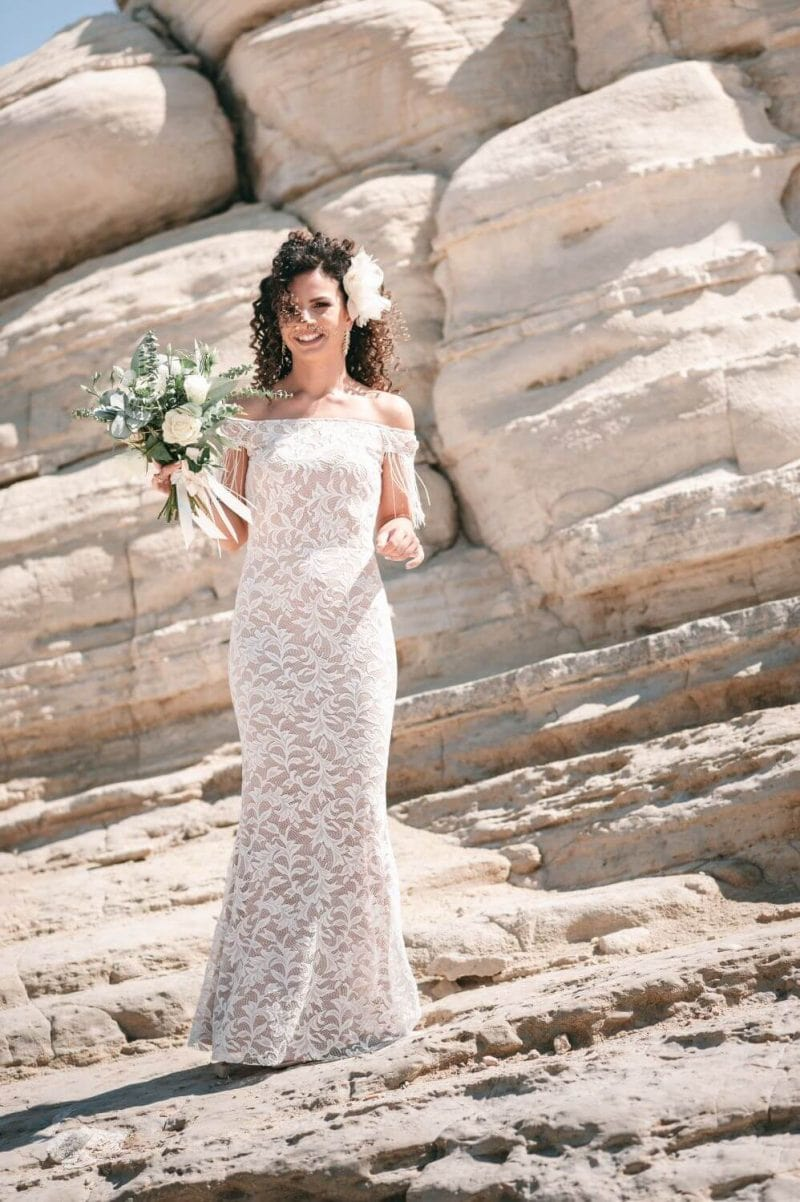 Suknia ślubna w stylu boho z górą inspirowaną Porto 49, ale obcisłym dołem bez prześwitów na nogi jak Santorini 6.