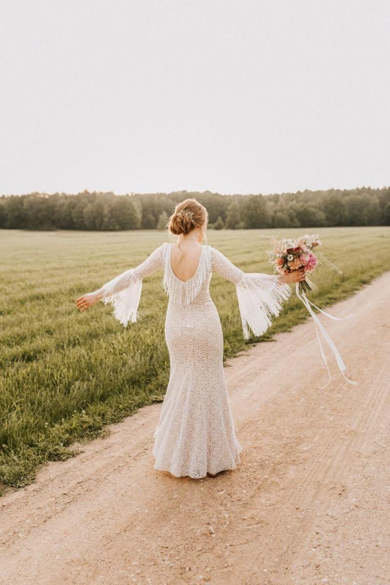 Suknia ślubna w stylu boho Porto 46.