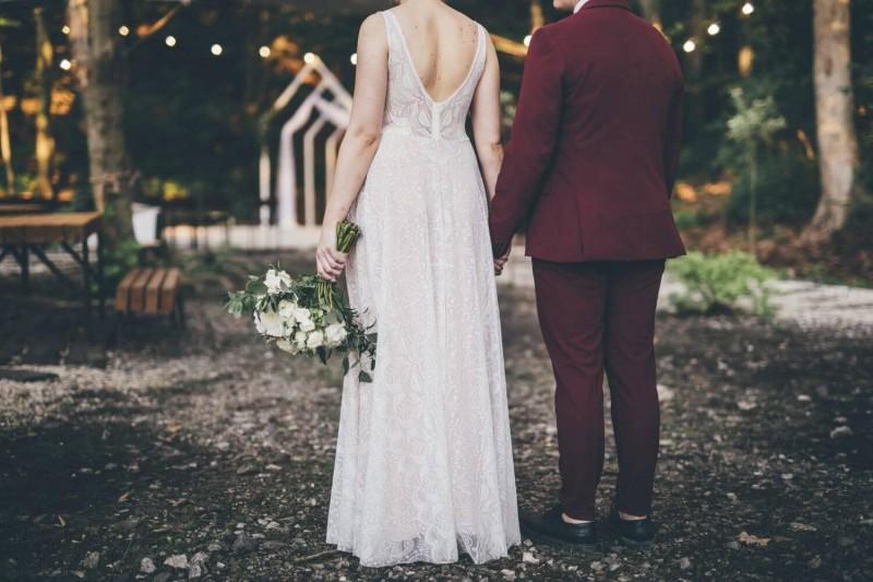 Suknia ślubna w stylu boho z dekoltem Porto 48, ale koronką całą jak w Porto 57.