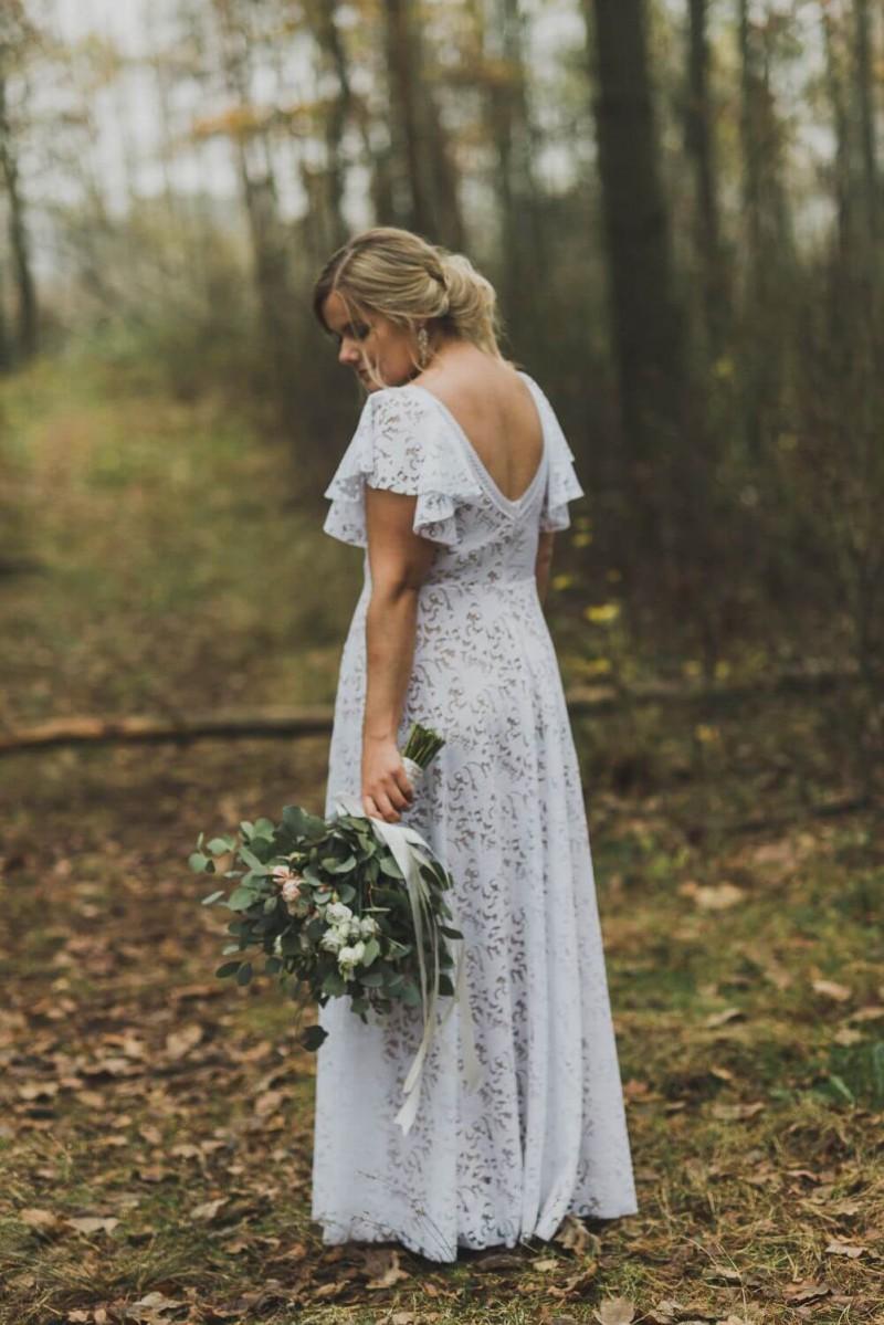 Suknia ślubna w stylu boho Santorini 1 z dodatkowym rękawem z koła.