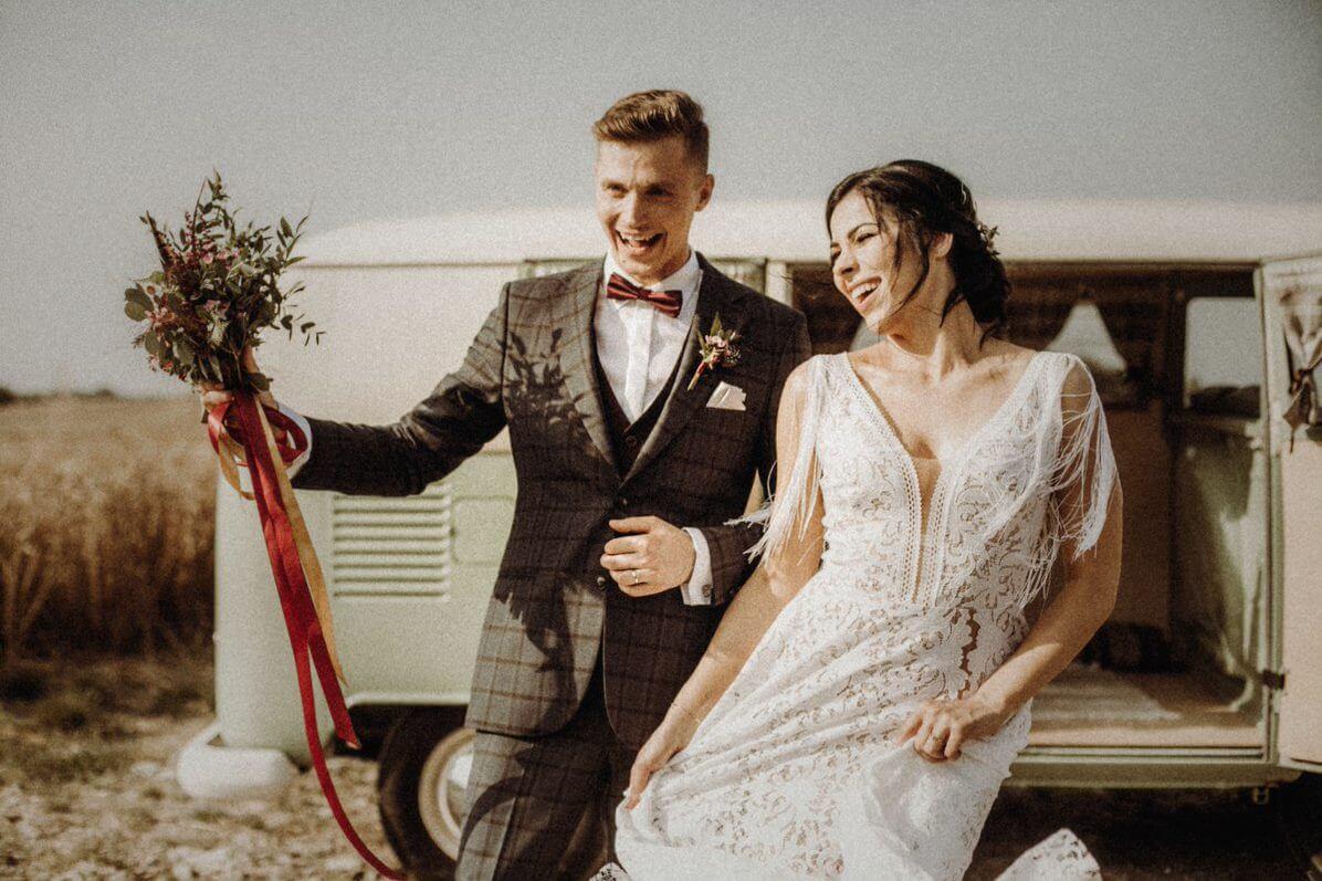 para młoda, suknia ślubna boho
