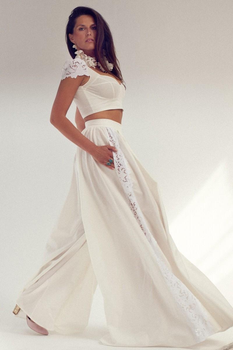 Dwuczęściowy komplet ślubny - spódnico-spodnie z bluzką