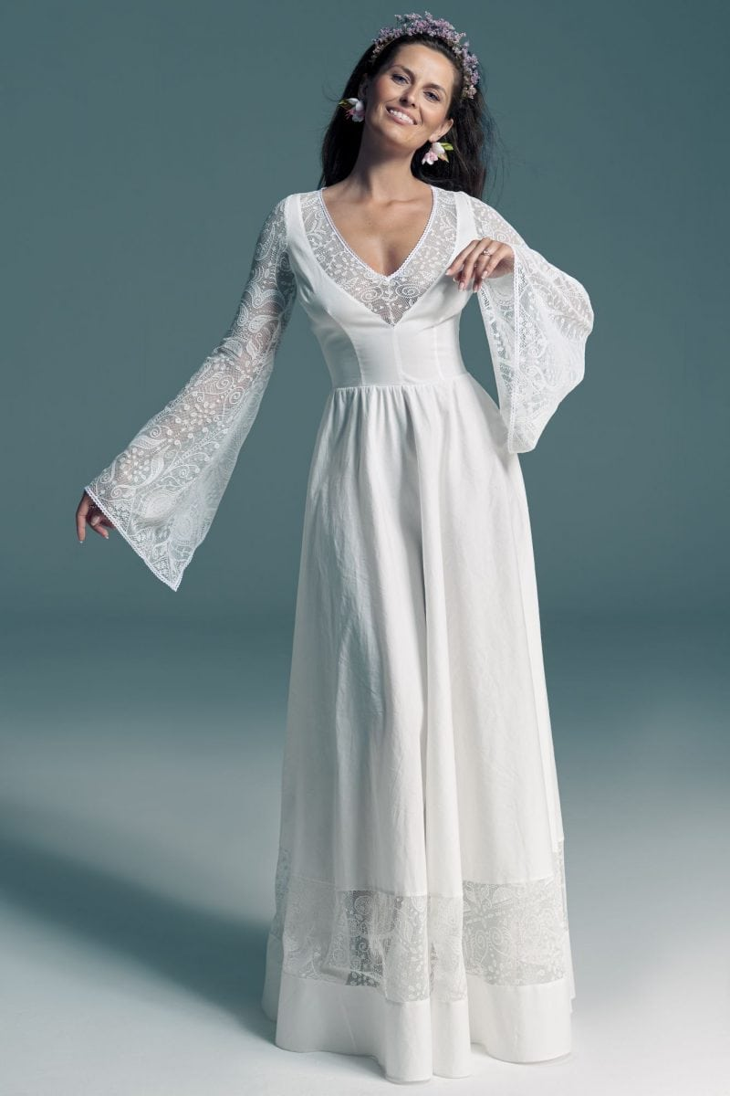 Bawełniana suknia ślubna z rękawami w klimacie bajkowym