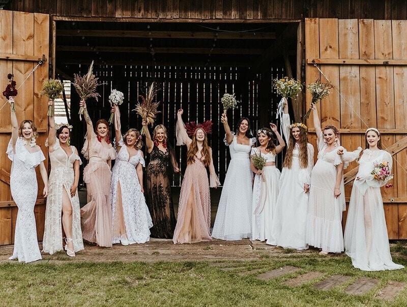 rózne modele sukien ślubnych - panny młode zdjęcie zbiorowe