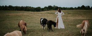 suknia ślubna boho z długim rękawem