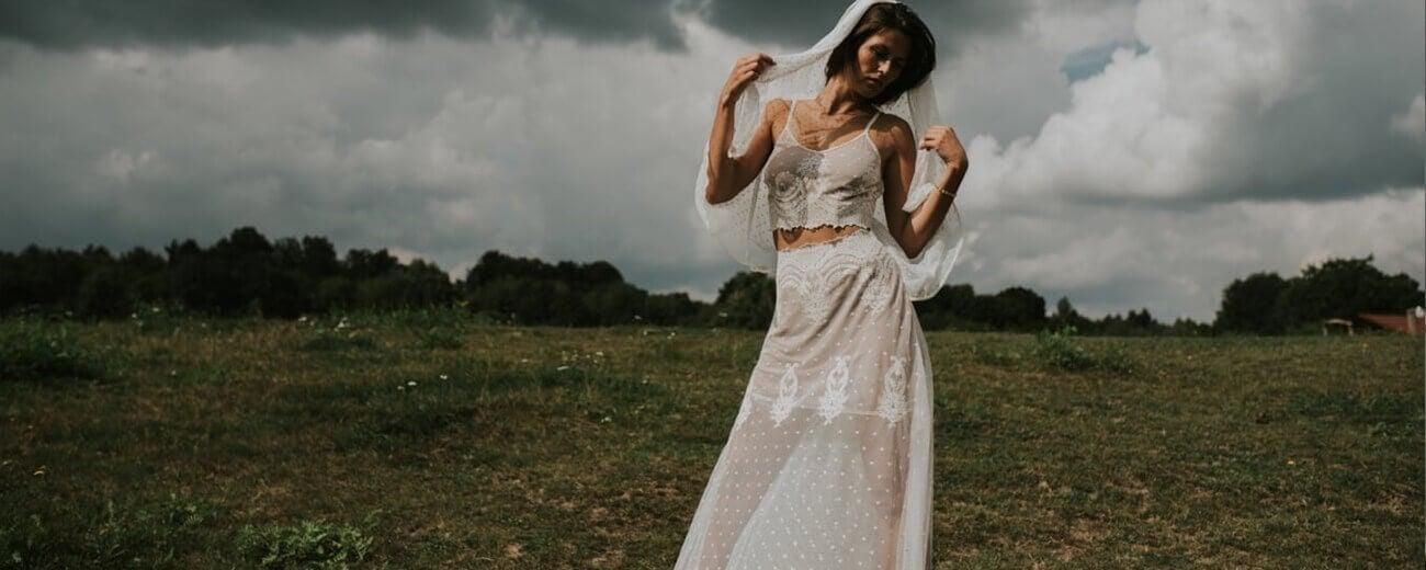dwuczęsciowa suknia ślubna
