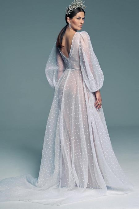 Suknia ślubna z bufiastymi rękawami