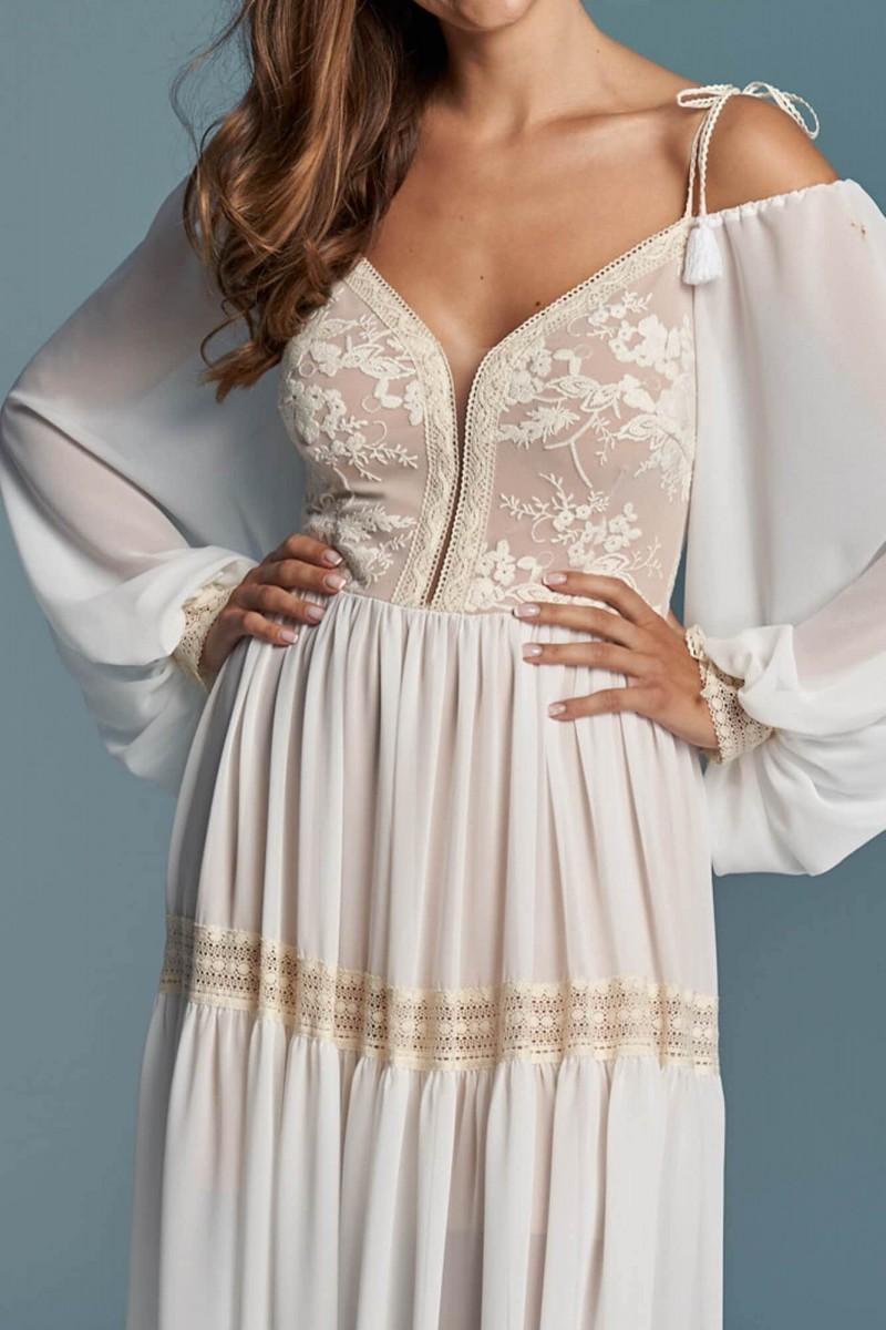 Suknia ślubna pięknie eksponująca ramiona