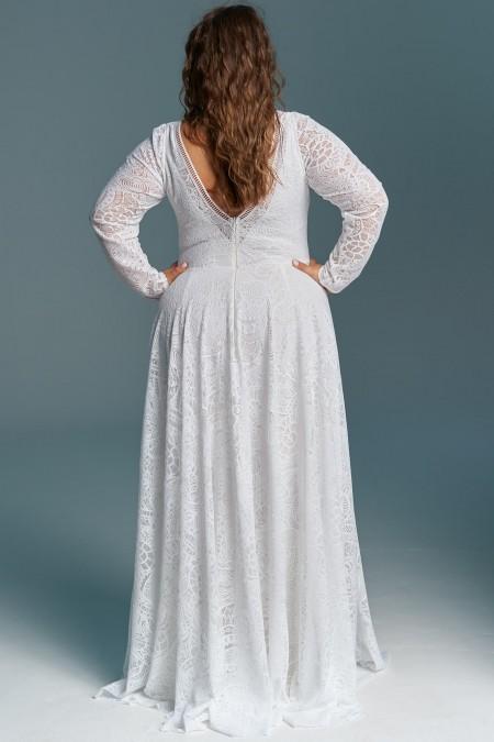 Suknia ślubna z rozcięciem na nogę i długim rękawem