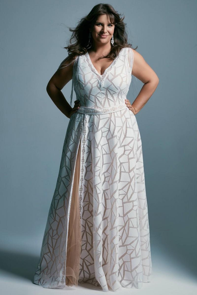 Seksowna suknia ślubna plus size
