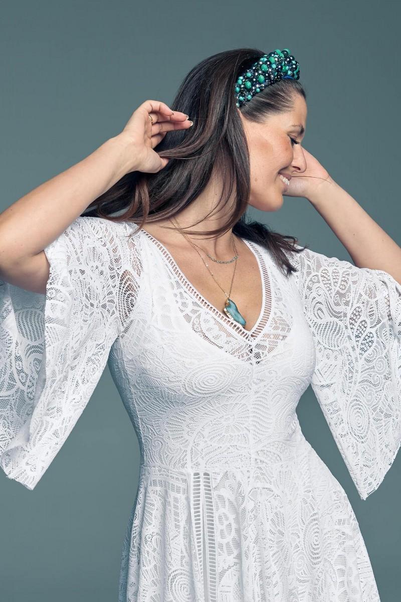 Suknia ślubna z rękawem która ukryje mankamenty