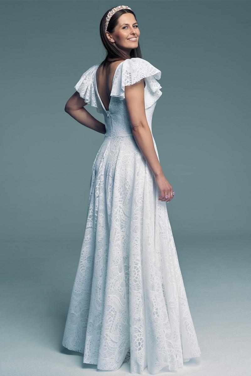 Suknia ślubna z koronką dla panien młodych chcących się wyróżniać