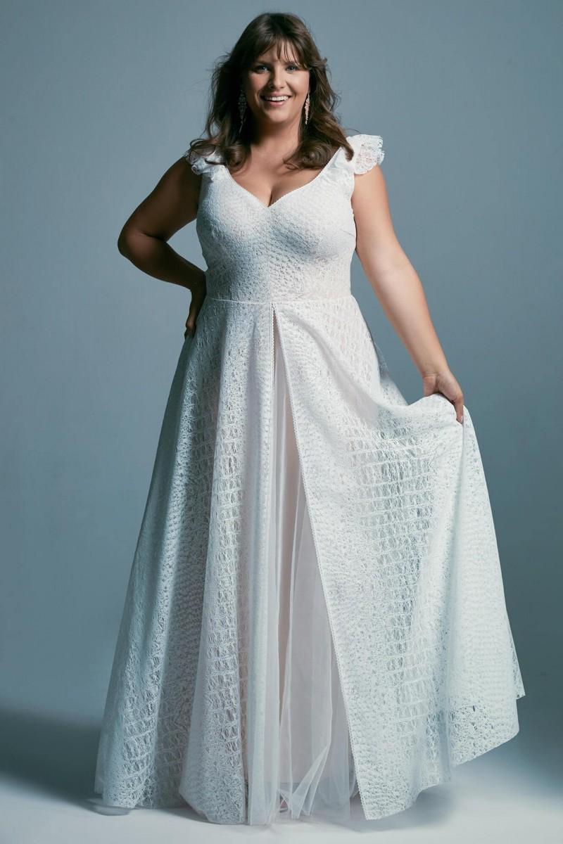 Rustykalna suknia ślubna plus size