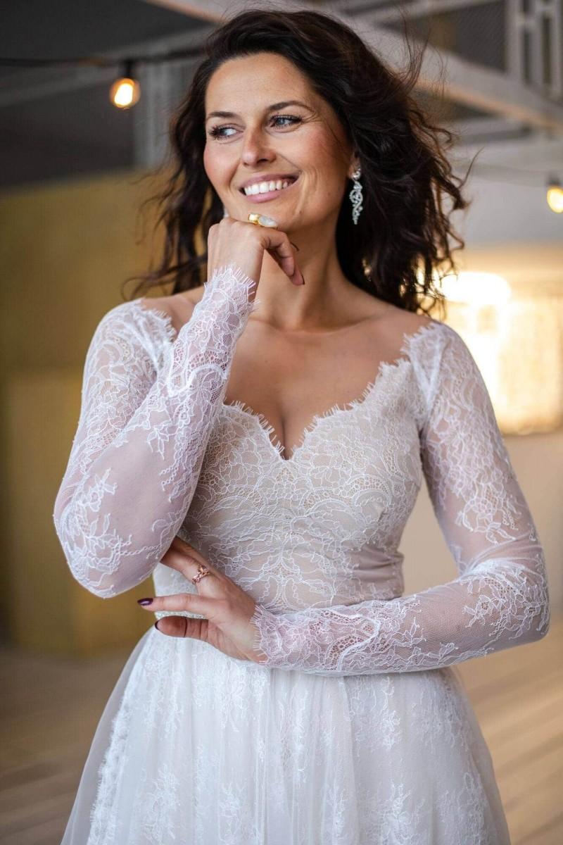 Bajkowa suknia ślubna o kroju księżniczki Paris 4