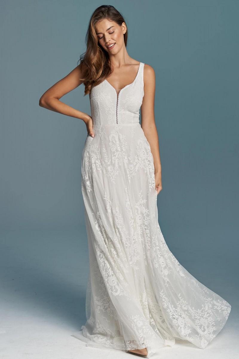 Klasyczna suknia ślubna z wycięciem na plecach