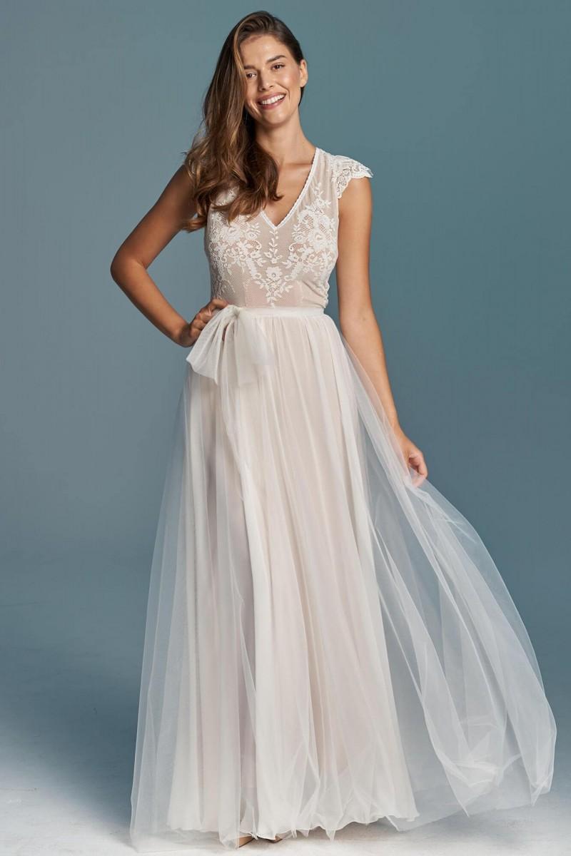 Lekka i delikatna suknia ślubna