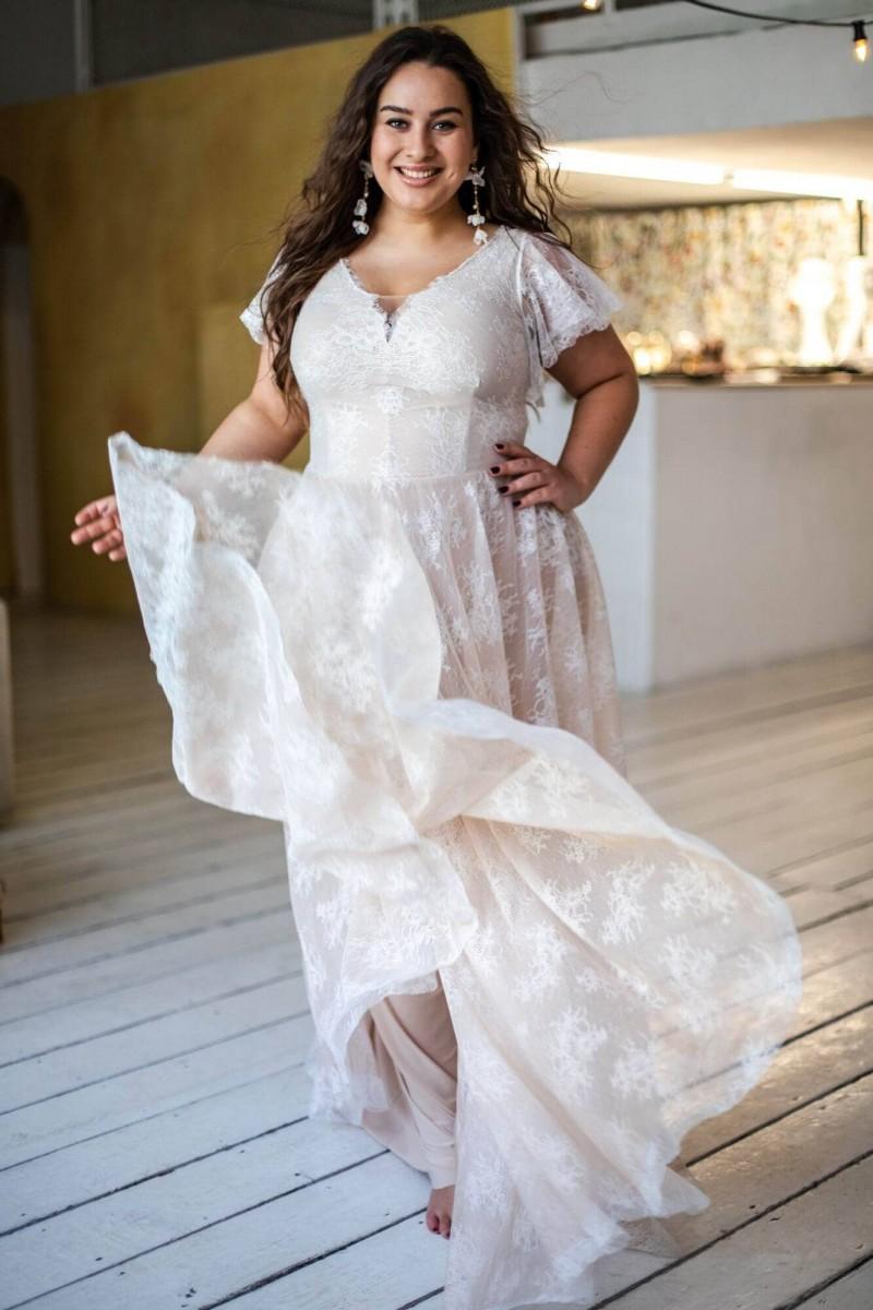 Romantyczna glamour suknia ślubna plus size Paris 2