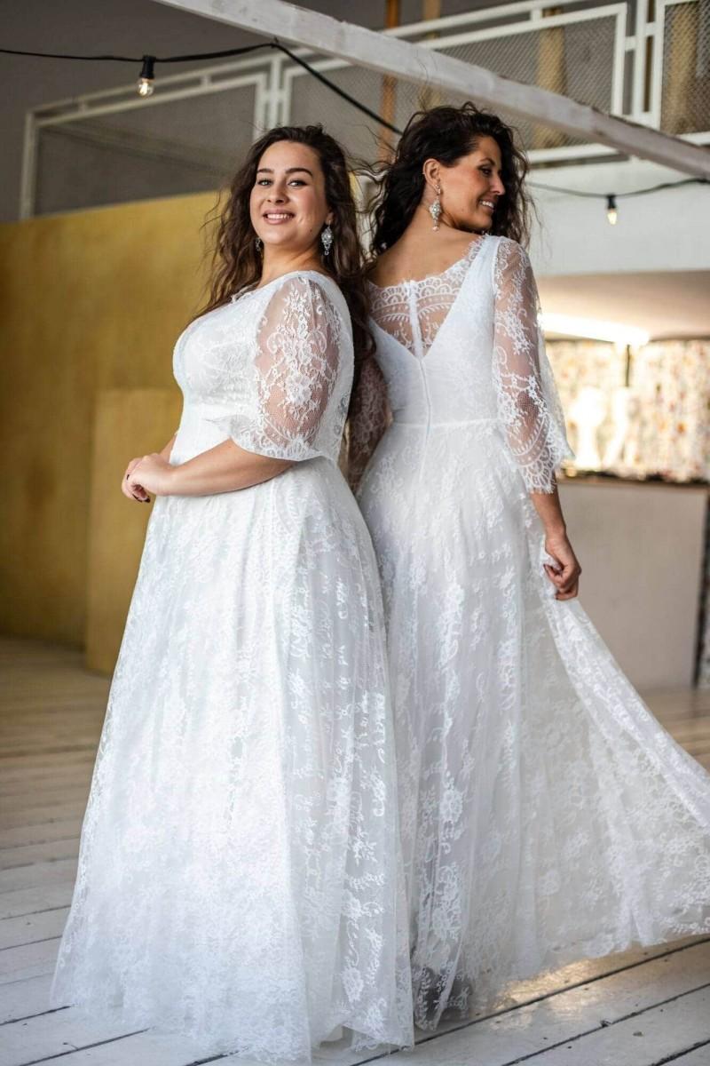Suknia ślubna Paris 3 z dekoltem w łódkę podkreślająca talię
