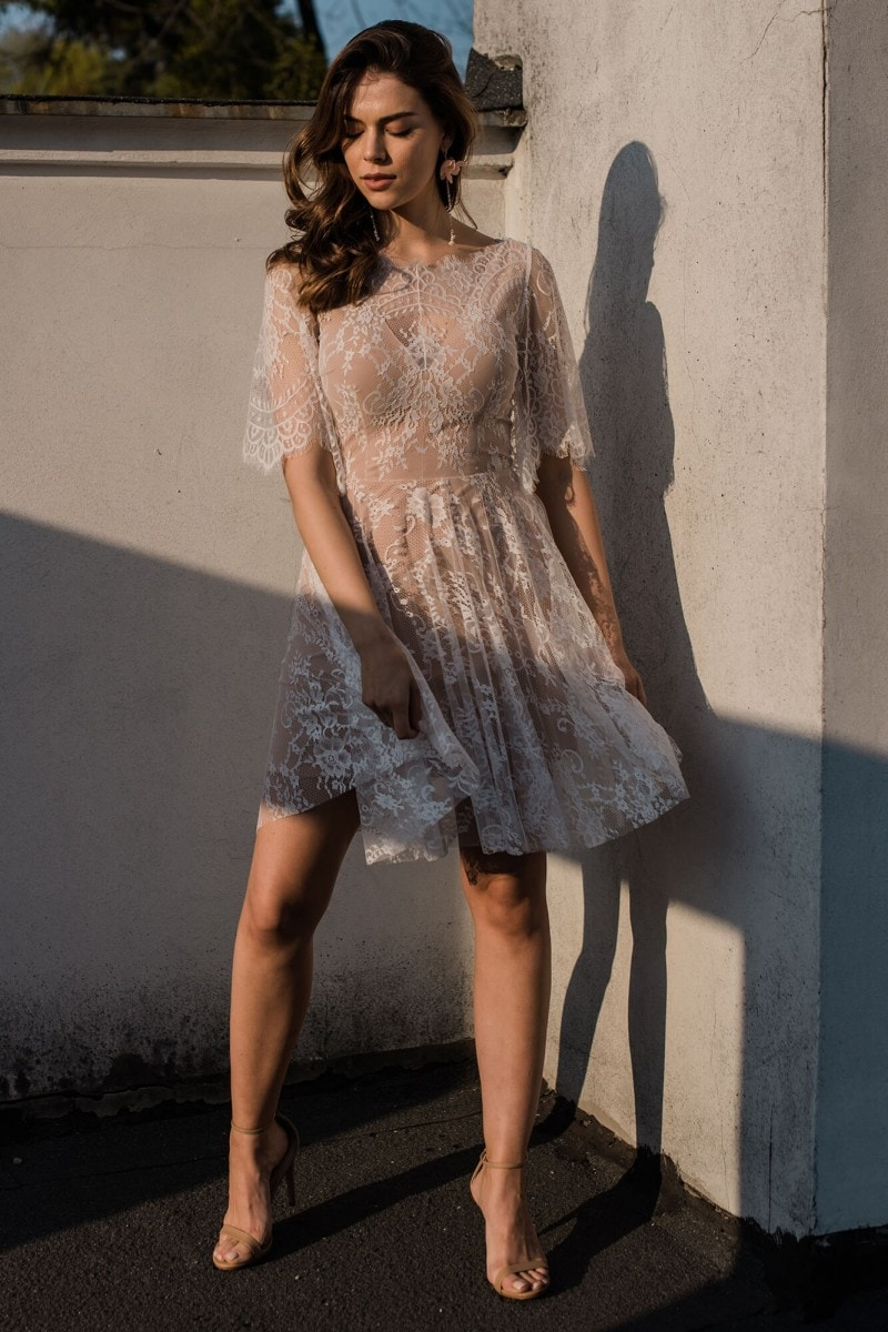 Zwiewna, delikatna suknia ślubna plus size