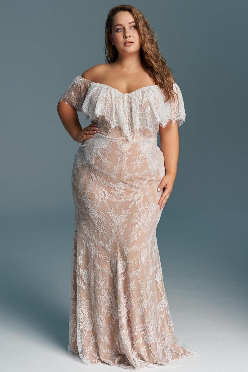 Suknia ślubna hiszpanka - odkryte ramiona