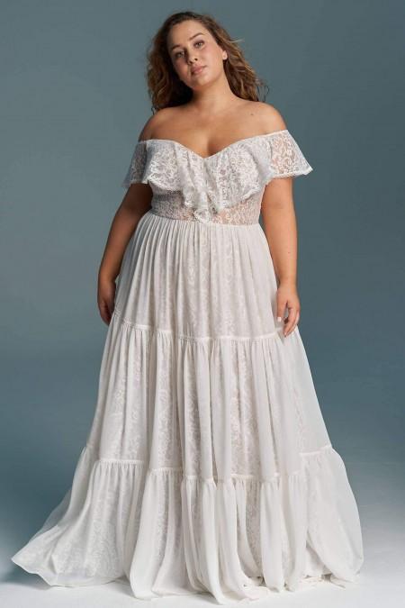 Suknia ślubna plus size z hiszpańską falbaną