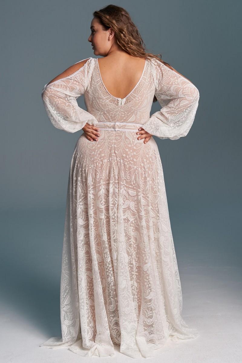 Dziewczęca, lekka suknia ślubna