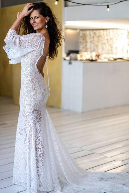 Suknia ślubna z odkrytymi plecami i długim rękawem Paris 11