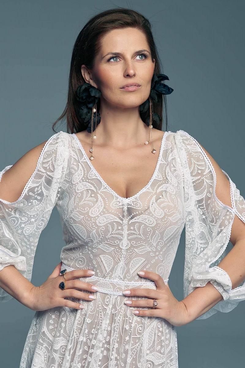 Suknia ślubna z rękawami dla zwolenniczki klasyki