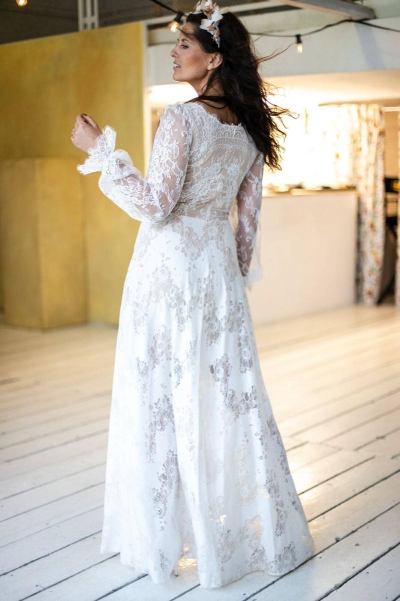 Suknia ślubna z rękawem z cienkiej koronki Paris 7