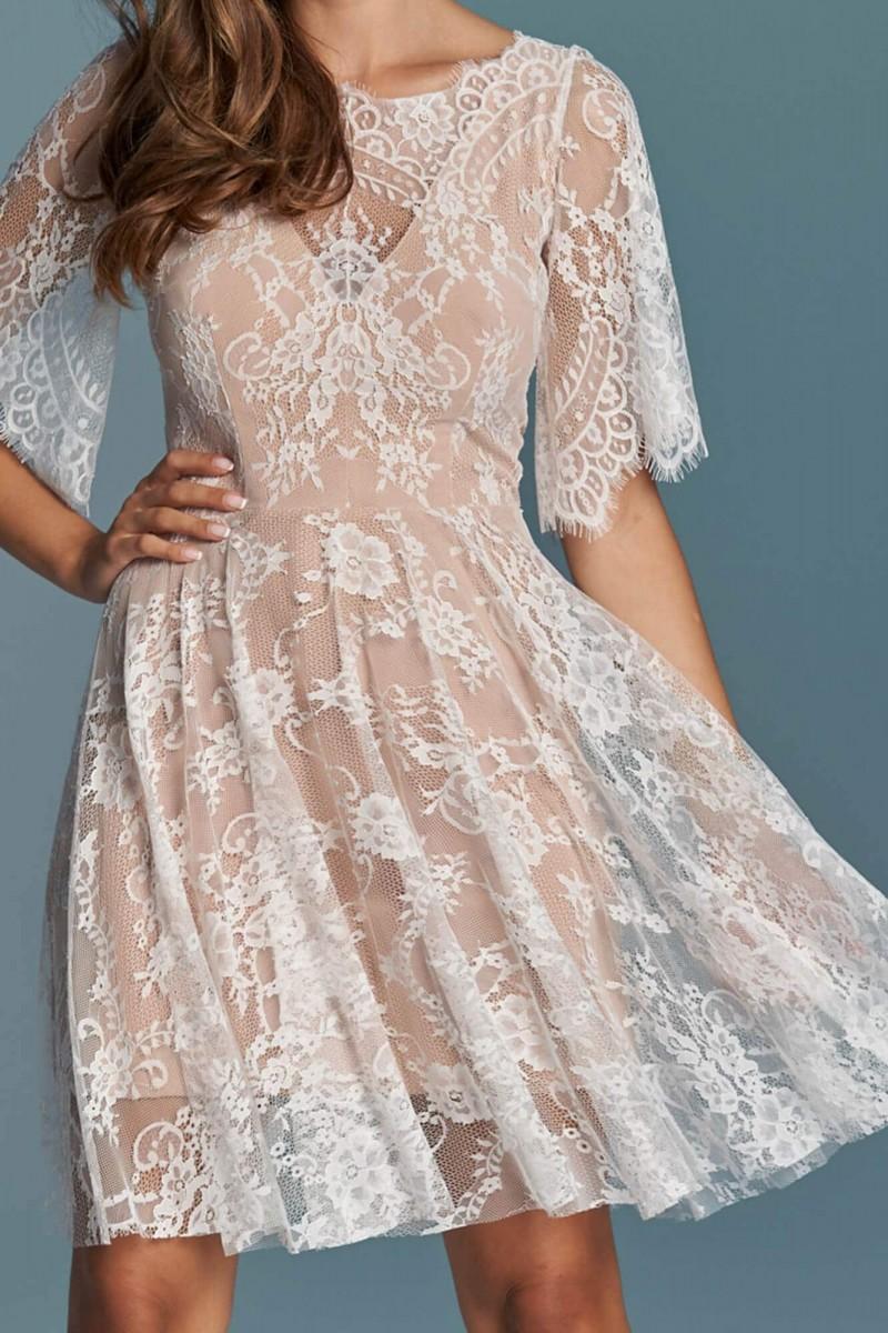 Suknia ślubna do kolan idealna na ślub cywilny