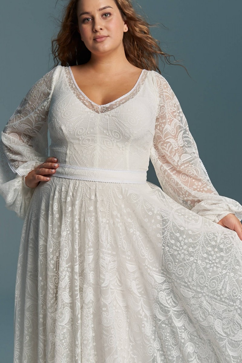 Lekka dziewczęca suknia ślubna