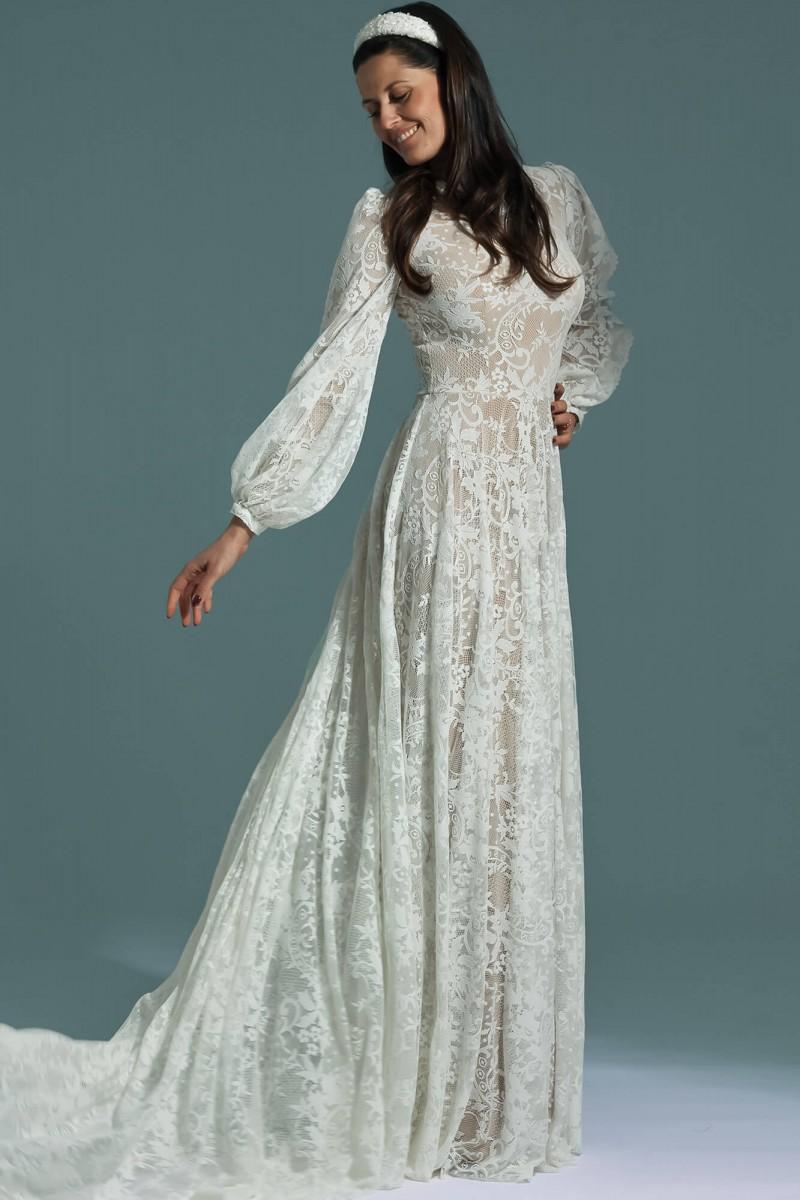 Koronkowa skromna suknia ślubna z długim rękawem