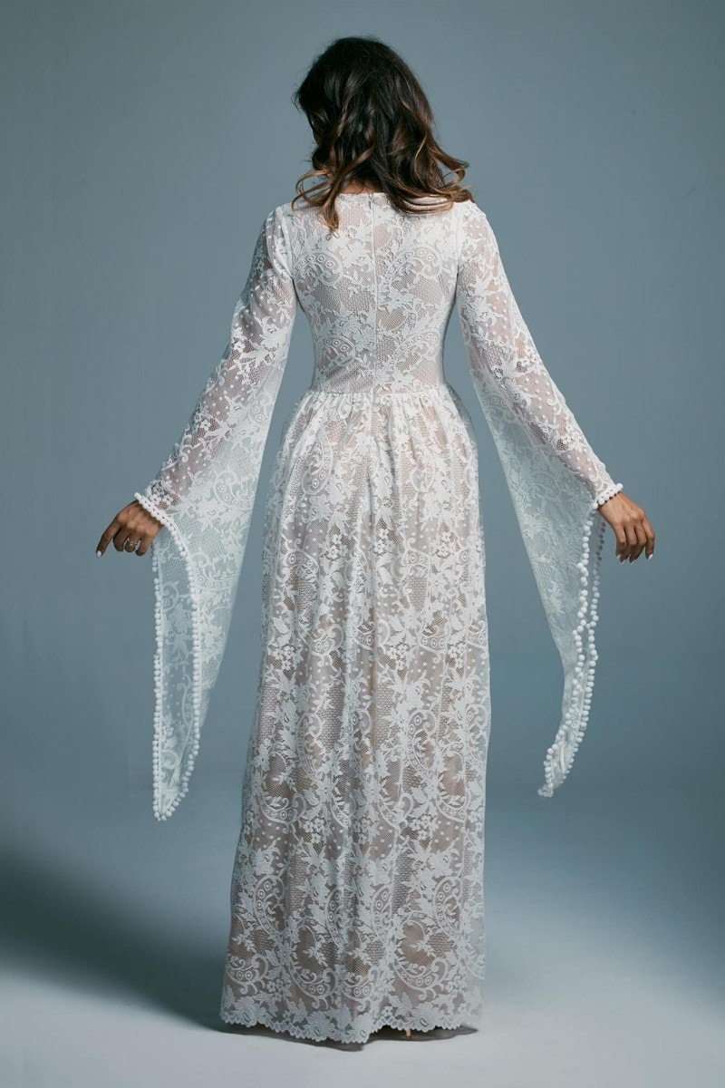 Koronkowa oryginalna suknia ślubna